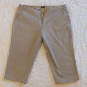 Worthington Capri Pants